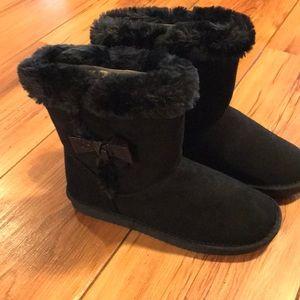 New black girls boots.